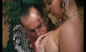 Italian fruit porn: a knightly woman wildly fucked!