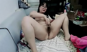 75 kg chinese girl plays with big boobs