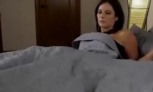 Compartiendo coryza cama brambles madrasta (sub español)