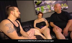 REIFE SWINGER - Gonzo MMF threeway all over inconsolable matures