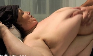 Young brat touches BBW woman'_s confidential